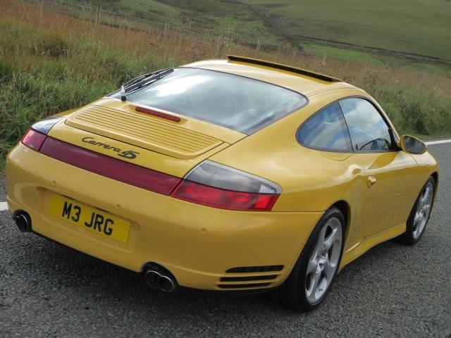 Porsche 911 Carrera 4S Turbo